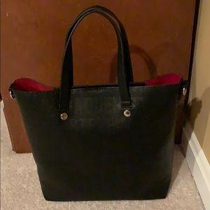 Black Steve Madden Handbag! Great condition.